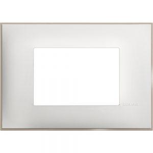 Декоративна рамка италиански стандарт 3 модула, бял сатен